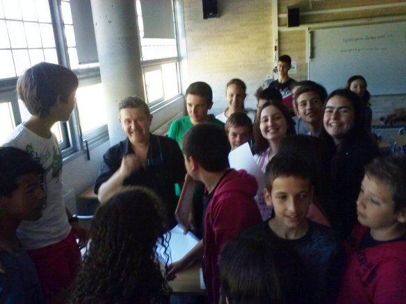 Amb els alumnes de l'IES Carles Rahola i Llorens