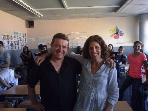 Con la profesora Montserrat Follia y los alumnos del IES Carles Rahola i Llorens