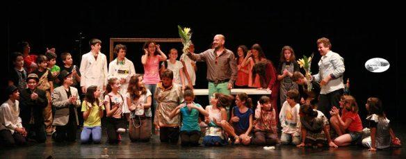 Amb José Corbacho i els nois i noies que van representar les meves obres.