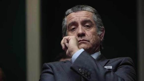 """Pedro Casablanc interpretando a Bárcenas en """"B"""""""