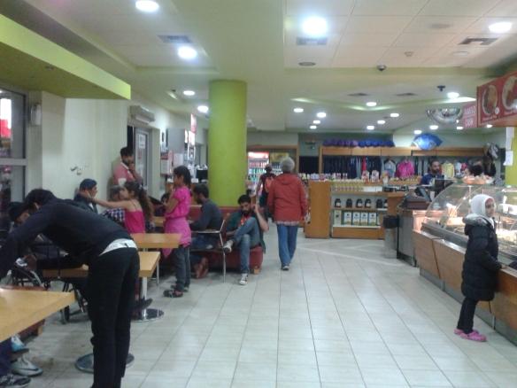 Tienda y bar de EKO Station